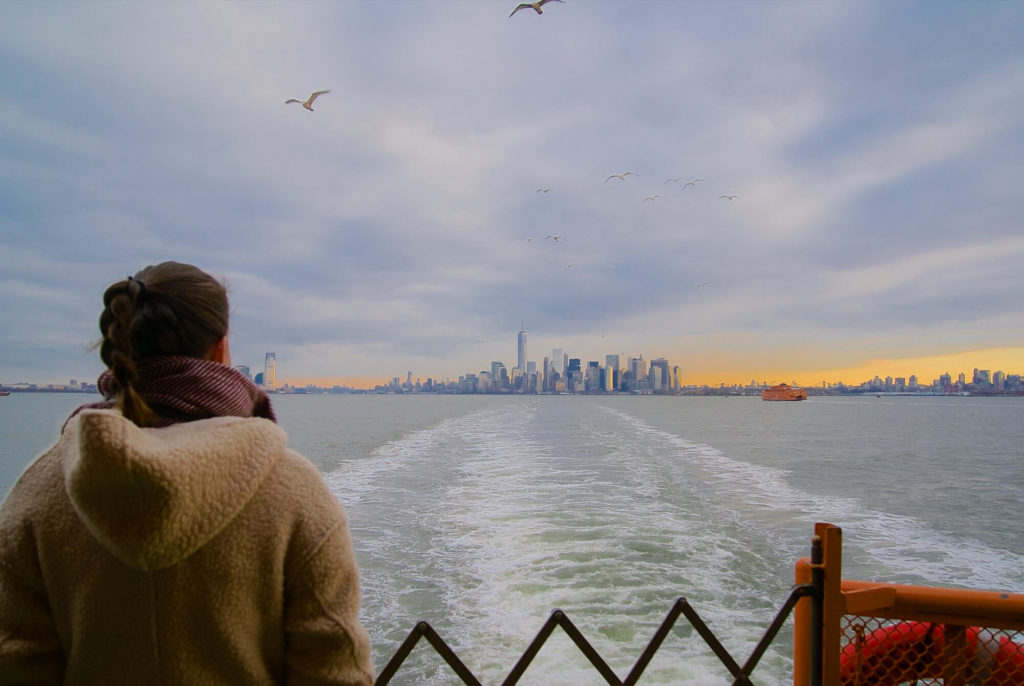 Photo Downtown Manhattan skyline New York Staten Island Ferry