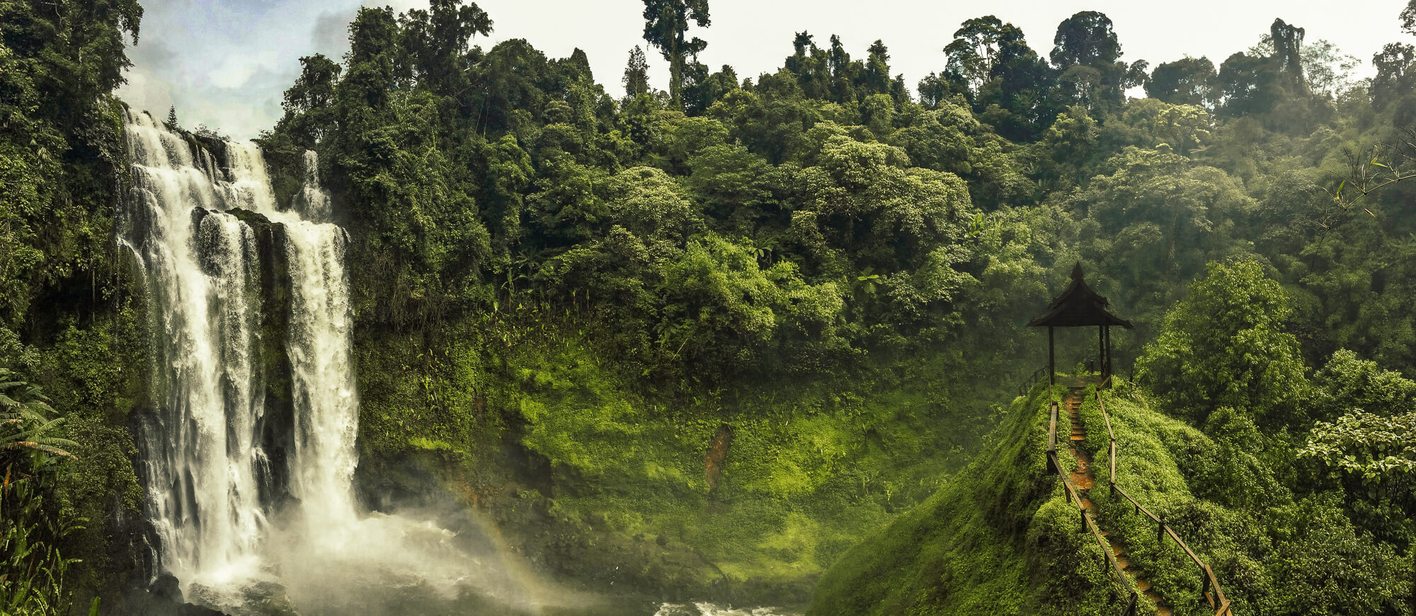 Chasse aux cascades au Laos Tad Yuang panorama